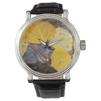 水に《植物》アスペンの葉 腕時計