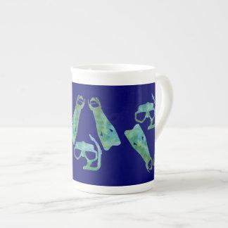 水のひれおよびマスク ボーンチャイナカップ