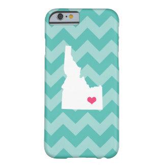 水のシェブロン名前入りでモダンなアイダホのハート BARELY THERE iPhone 6 ケース