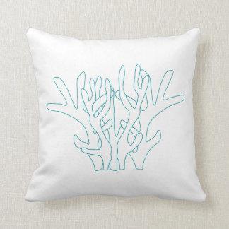 水の珊瑚の白い装飾用クッション クッション