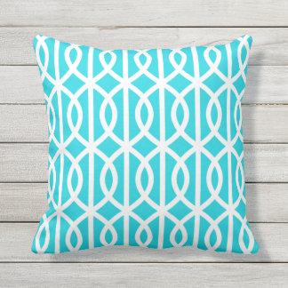 水の青い屋外の枕ねじれの格子垣パターン クッション