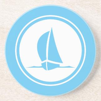水の青いSloopのヨットの航海のなコースター コースター
