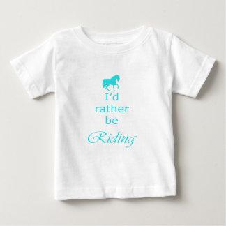 水のBueの馬のイラストレーションおよび引用文 ベビーTシャツ