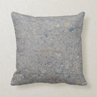 水ほとんど無地のな茶色の日焼けの灰色の下の小石 クッション