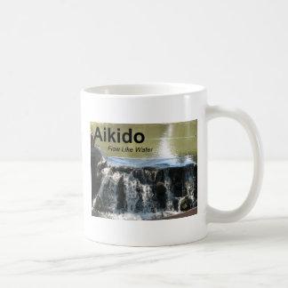 水マグのような合気道の流れ(合気道の漢字と) コーヒーマグカップ