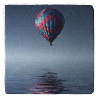 水上の息もつけないほど熱空気気球 トリベット