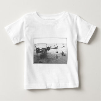 水上飛行機及びカヌー ベビーTシャツ
