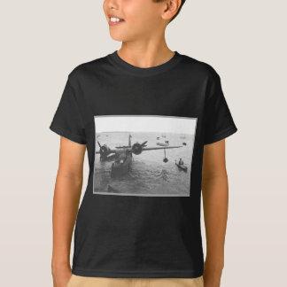 水上飛行機及びカヌー Tシャツ