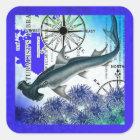 水中のシュモクザメの航海のなコラージュの青 スクエアシール