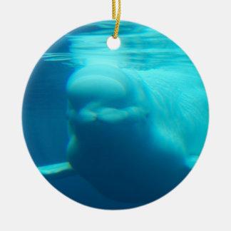 水中シロイルカのクジラ セラミックオーナメント
