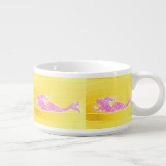 水中ピンクの人魚の水泳 チリボウル