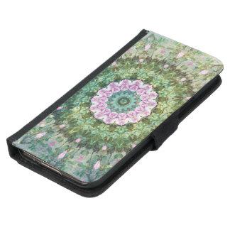 水中ファンタジーの万華鏡のように千変万化するパターン、薄紫および緑 GALAXY S5 ウォレットケース