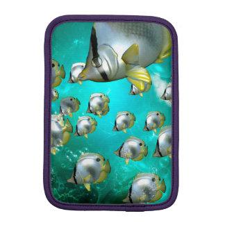 水中世界、すばらしいbutterflyfish iPad miniスリーブ