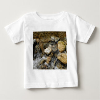 水小石の流れ ベビーTシャツ