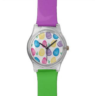水彩画のイースターエッグの狩りパターン 腕時計