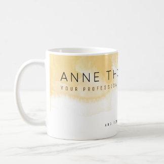 水彩画のクリーム及び白人のプロフェッショナル コーヒーマグカップ