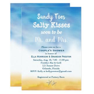 水彩画のサンディのつま先のカップルのシャワー-空及び砂 カード