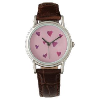 水彩画のハートのメロディーの恋人の腕時計 腕時計
