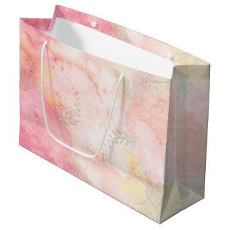 水彩画のピンクの花の背景 ラージペーパーバッグ