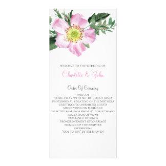 水彩画のピンクの野生のバラの結婚式プログラム ラックカード