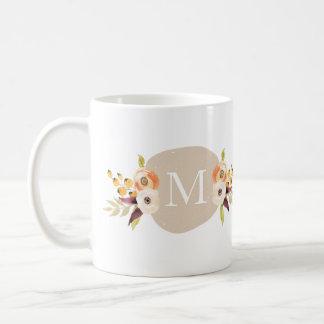 水彩画の国の花のモノグラムのギフトのマグ ベーシックホワイトマグカップ
