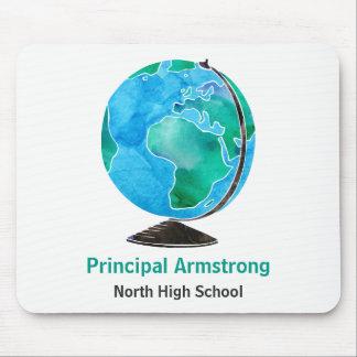 水彩画の地球の名前入りな学校長 マウスパッド