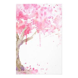 水彩画の抽象的なピンクの木、桜 便箋
