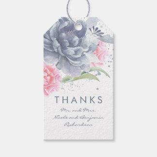 水彩画の挨りだらけの青く、ピンクの花の結婚 ギフトタグ