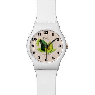 水彩画の緑のアボカドの静物画のフルーツ 腕時計