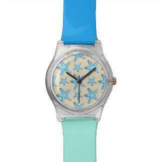 水彩画の青いヒトデパターン 腕時計