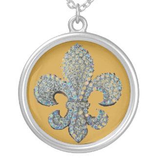 水晶(紋章の)フラ・ダ・リのプリント シルバープレートネックレス