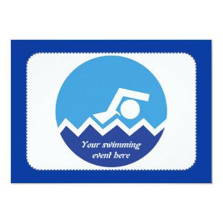 水泳のギフト、青い円のカスタムの泳ぐ人 カード