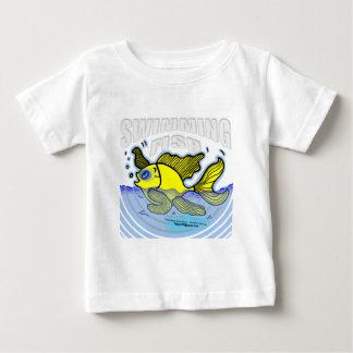水泳の魚 ベビーTシャツ