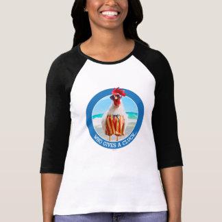 水泳パンツのビーチのオンドリの男Chillin Tシャツ