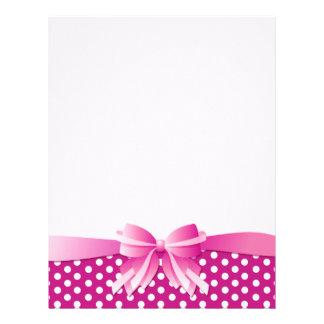 水玉模様が付いているかわいらしいピンクのカスタムなレターヘッド レターヘッド