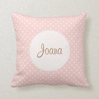 水玉模様によってスカラップで仕上げられる端の名前をカスタムするの枕 クッション
