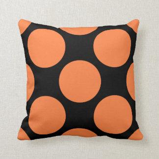 水玉模様のアメリカ人のMoJoのオレンジ枕 クッション