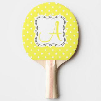 水玉模様のモノグラムのイニシャルの名前のエレガントな黄色 卓球ラケット