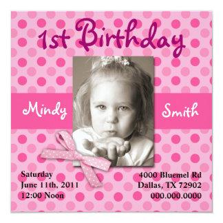 水玉模様の子供の誕生日の招待(女の子) 13.3 スクエアインビテーションカード