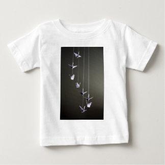 水玉模様のorigamiクレーン可動装置 ベビーTシャツ