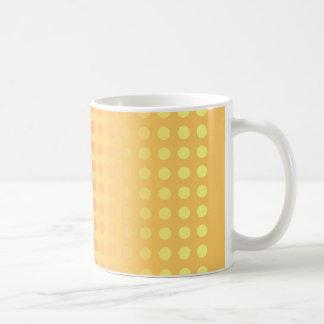 水玉模様をマグ黄色にする赤は衰退します コーヒーマグカップ