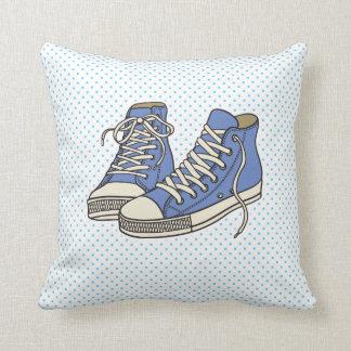 水玉模様パターンスタイル2の青い靴 クッション