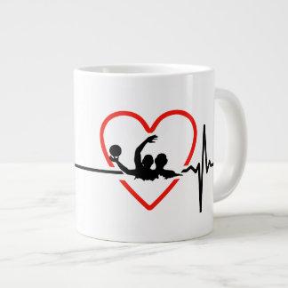水球の心拍のデザイン ジャンボコーヒーマグカップ