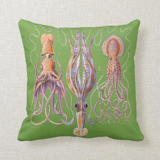 水生生命Haeckelのタコのクッション クッション
