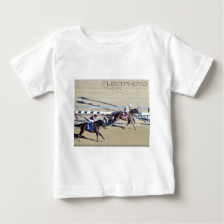水路からの競争 ベビーTシャツ