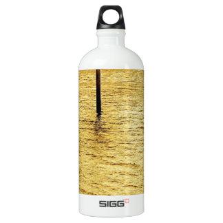 水黄海のポスト ウォーターボトル