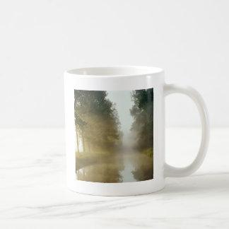 水Ratzeburg運河の霧ドイツ コーヒーマグカップ