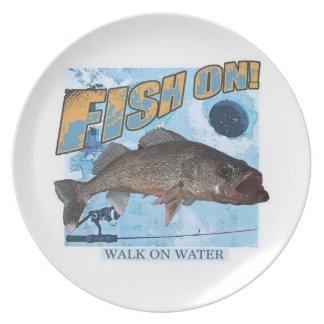 水walleyeの歩行 プレート