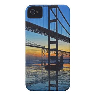 氷った水上のチェサピーク湾橋日没 Case-Mate iPhone 4 ケース