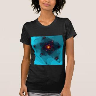 氷の火。 フラクタルの芸術。 青い Tシャツ